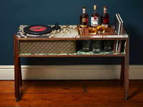 Bacardi introduceert limited edition Vinyl Console
